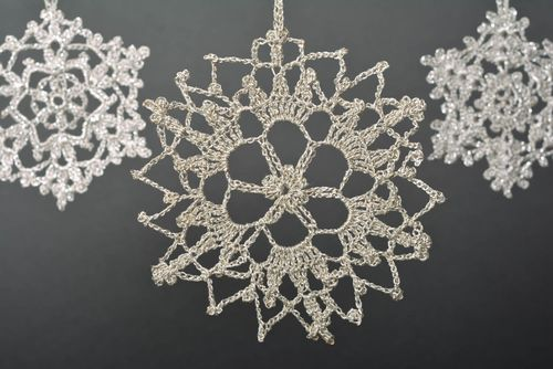 Handmade crocheted snowflake Christmas tree decor interior decor ideas - MADEheart.com