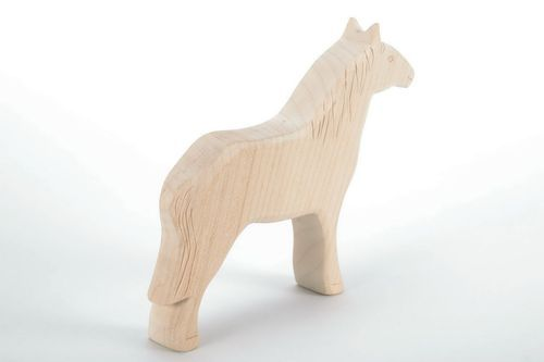 Maple wood statuette Horse - MADEheart.com