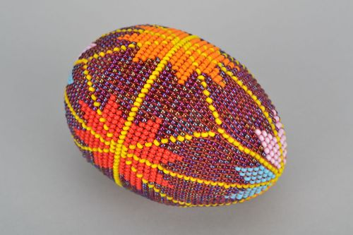 Wooden egg woven over with beads Stars - MADEheart.com