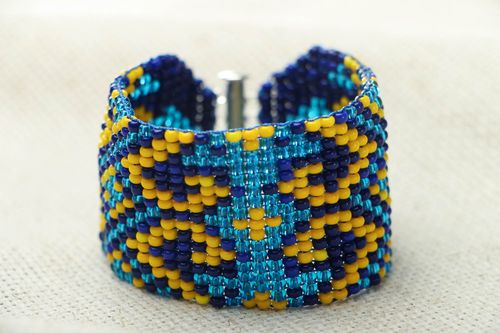 Colorful beaded bracelet - MADEheart.com