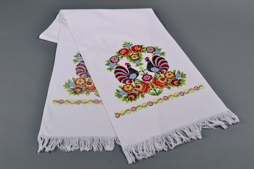 Ethnic embroidered towel for wedding - MADEheart.com