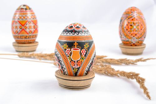 Handmade Easter egg with patterns - MADEheart.com