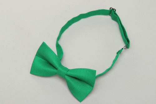 Cotton fabric bow tie of green color - MADEheart.com
