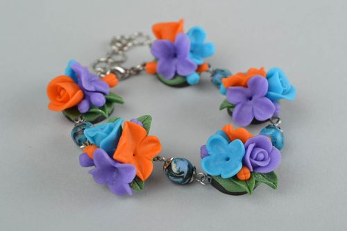 Handmade stylish wrist bracelet with flowers made of polymer clay on metal chain - MADEheart.com