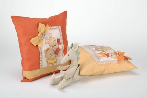 Cotton pillow-case with teddy-bears - MADEheart.com