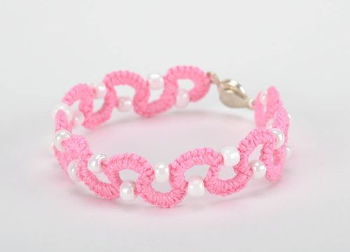 Bracelet braided from cotton threads white and pink - MADEheart.com