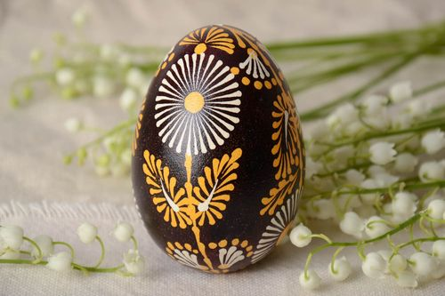 Handmade Lemkiv decorative Easter egg with bright flowers on black background - MADEheart.com