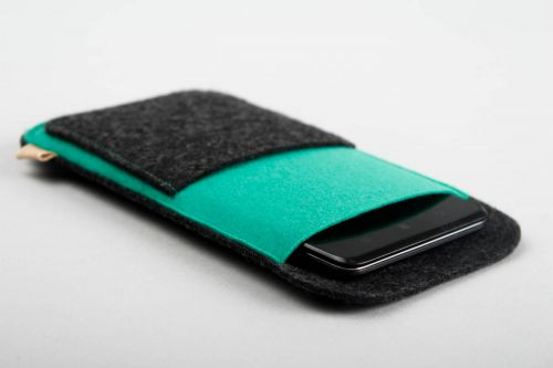 Handmade woolen phone case designer case for gadget woolen phone case ideas - MADEheart.com