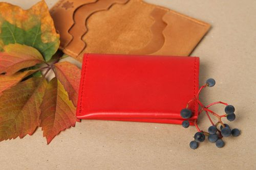 Beautiful handmade leather card holder leather goods business gift ideas - MADEheart.com