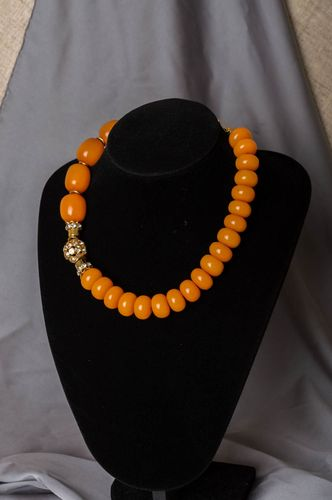 Handmade stylish amber stone bead necklace of yellow color for ladies of fashion - MADEheart.com