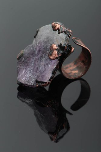 Handmade designer massive copper jewelry ring with natural violet amethyst - MADEheart.com