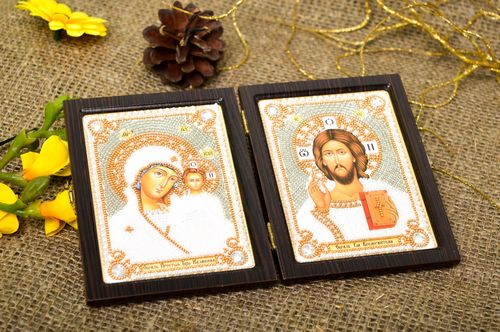 Handmade beautiful icon embroidered family icon religious housewarming gift - MADEheart.com
