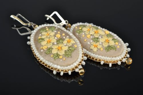 Handmade large satin stitch embroidered earrings Buttercups - MADEheart.com