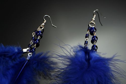 Long earrings with feathers - MADEheart.com
