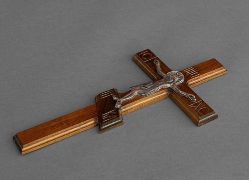 Wooden cross with crucifix - MADEheart.com