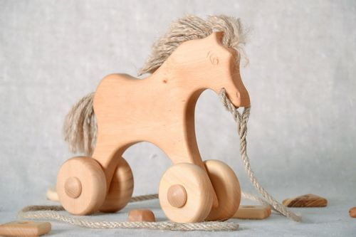 Horse on wheels - MADEheart.com