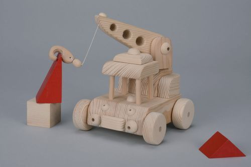 Wooden toy Crane - MADEheart.com