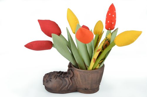 Ceramic flowerpot in the shape of shoe - MADEheart.com