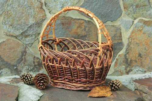 Willow basket - MADEheart.com