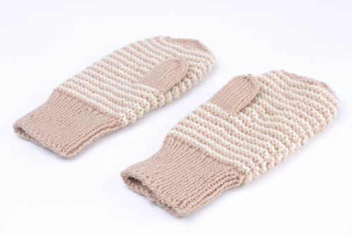 Hand knitted mittens - MADEheart.com