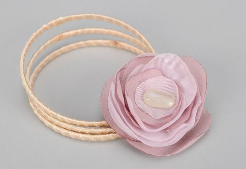 Brecelet with flower made of organza Tenderness - MADEheart.com