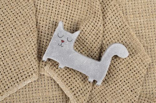 Handmade wooden brooch exclusive beautiful jewelry grey kitten accessory - MADEheart.com