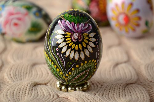 Handmade wooden Easter egg painted with floral ornaments for interior decoration - MADEheart.com