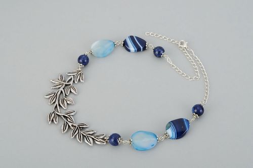 Necklace is made ​​of agate and lazurite Laurel Branch - MADEheart.com
