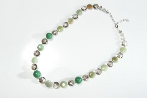 Jade and crystal necklace  - MADEheart.com