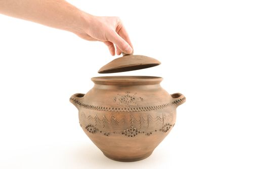 Ceramic pot with ornament - MADEheart.com