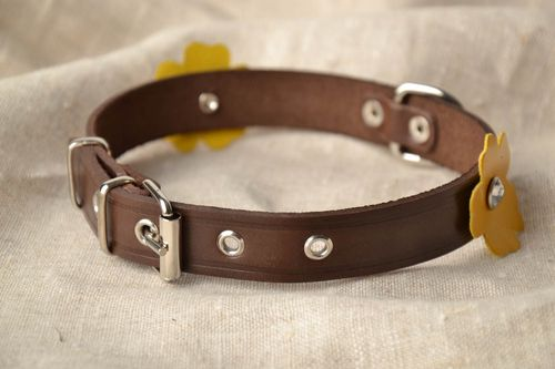 Leather collar with flowers - MADEheart.com
