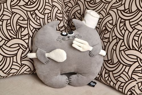Handmade interior toy cushion in the form of gray cat made of flock - MADEheart.com