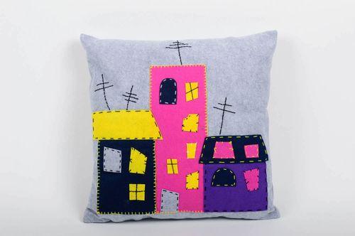 Оригинальная подушка на диван