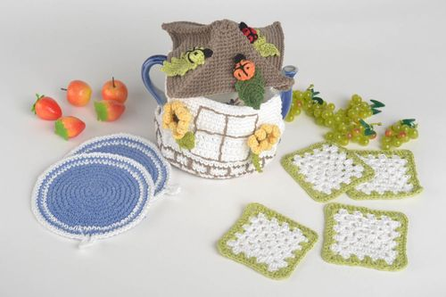 Handmade kitchen accessories set 4 crochet hot pads 2 pot holders teapot cozy - MADEheart.com