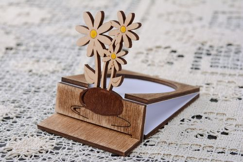 Wooden greeting card Chamomiles - MADEheart.com