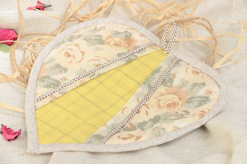 Beautiful handmade cotton fabric soft pot holder of light color Heart - MADEheart.com