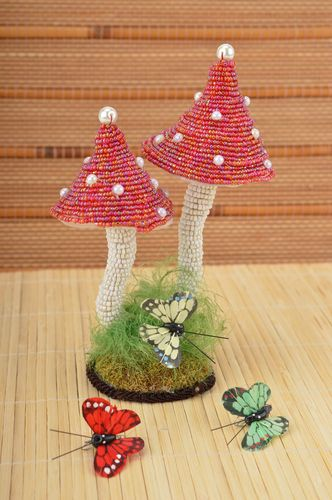 Handmade beaded composition apartment decor beaded  toadstool mushrooms    - MADEheart.com
