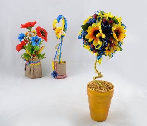 Handmade floral topiary - MADEheart.com