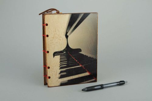 Notebook made of Italian paper Piano - MADEheart.com