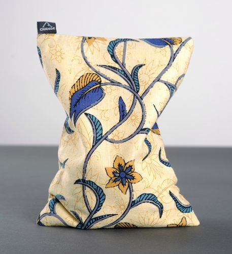 Relaxing pillow for yoga - MADEheart.com