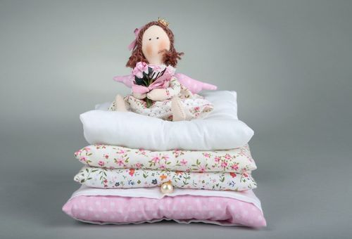Tilde doll The princess on a pea with flowers - MADEheart.com