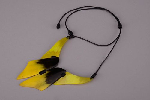 Authors necklet made of a cow horn - MADEheart.com