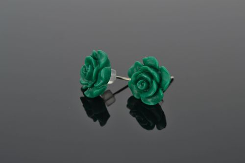 Polymer clay stud earrings in the shape of green flowers - MADEheart.com