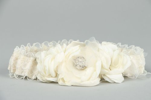 Bridal garter with lace - MADEheart.com