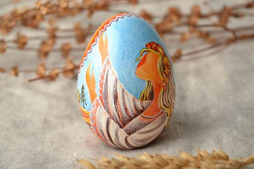 Designer painted egg decorated using wax technique - MADEheart.com