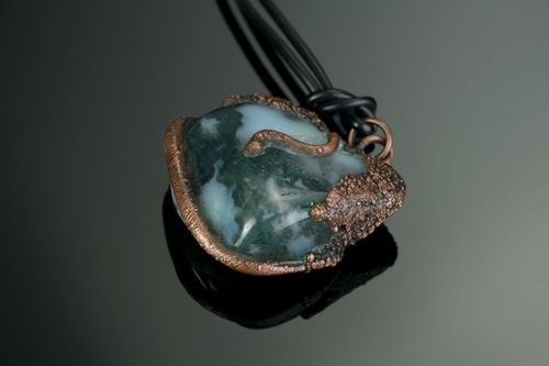 Copper pendant with moss agate - MADEheart.com