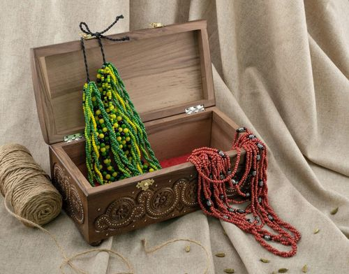 Wooden jewelry box with inlay - MADEheart.com