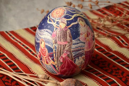 Handmade decorative egg with ethnic drawing - MADEheart.com