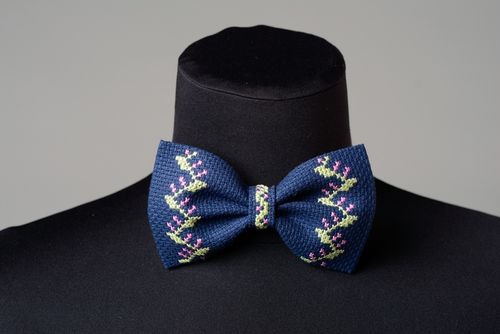 Dark blue bow tie with tender handmade cross stitch embroidery for stylish men - MADEheart.com