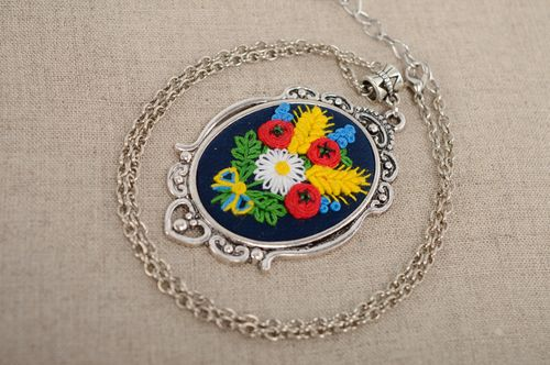 Pendant with French knot embroidery on long chain - MADEheart.com